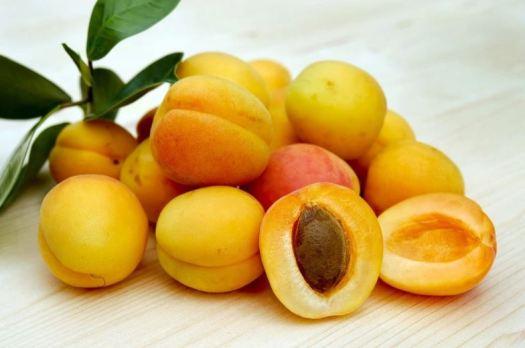 Acne diet - apricots