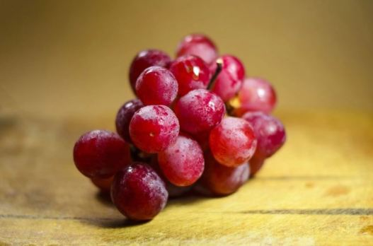 Acne diet - red grape