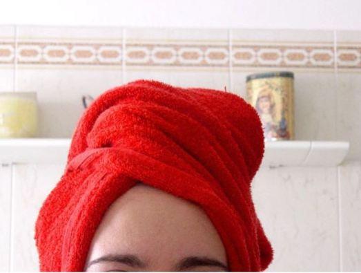 Acne during pregnancy - washing hair