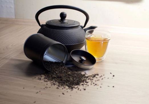 home remedies for acne scars - black tea waste
